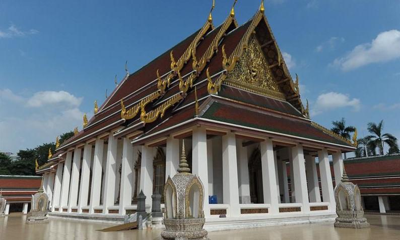 Буддийский храм Ватт Сакет