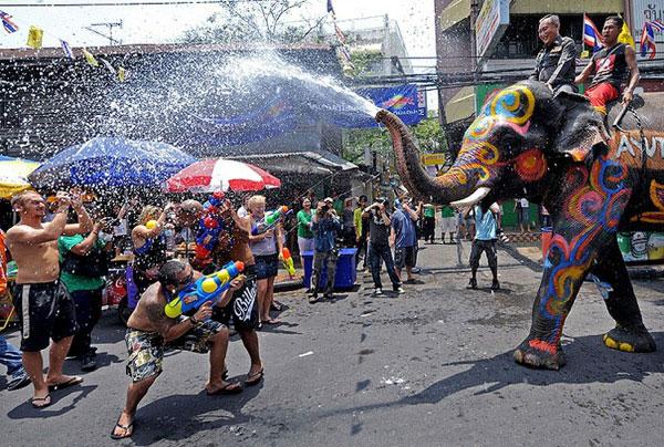 Как празднуют тайский Новый год?
