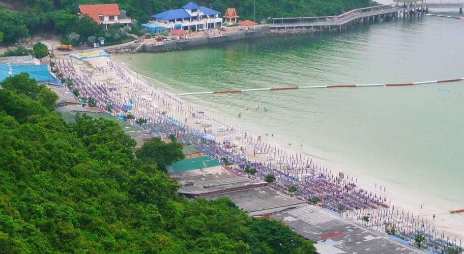 Остров Ко Лан - пляж Таваен