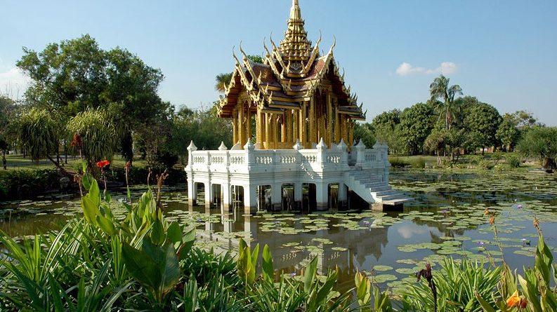 Парк короля Рамы IX в Бангкоке