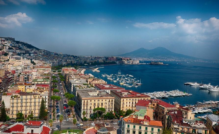 Курорт Неаполь в Италии