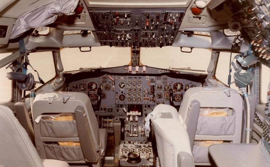 Boeing 727 - кабина пилотов