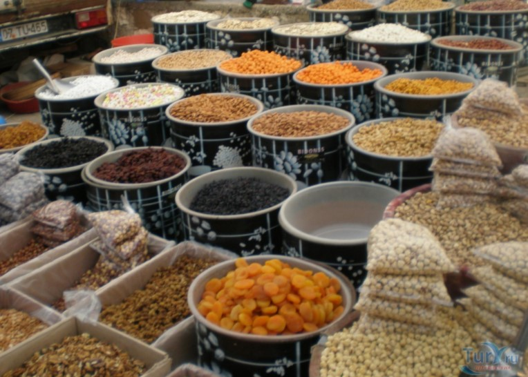 Продуктовый рынок в Кемере