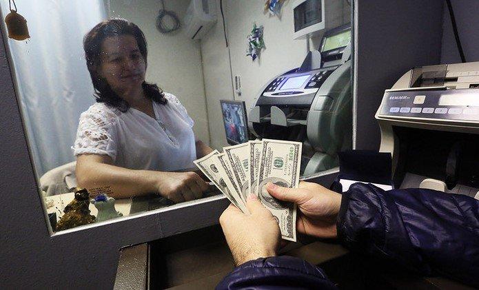 Какие деньги брать в Грузию