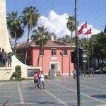 памятник первому президенту Турции – Ататюрку