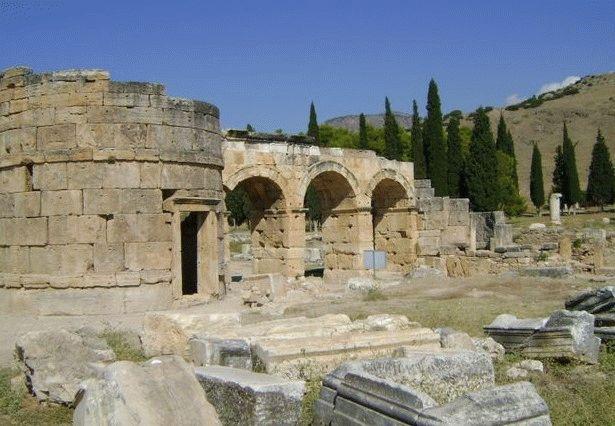 римские ворота