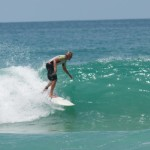 серфинг на пляже Сурин