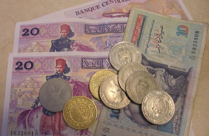 Какую валюту брать в Тунис фото