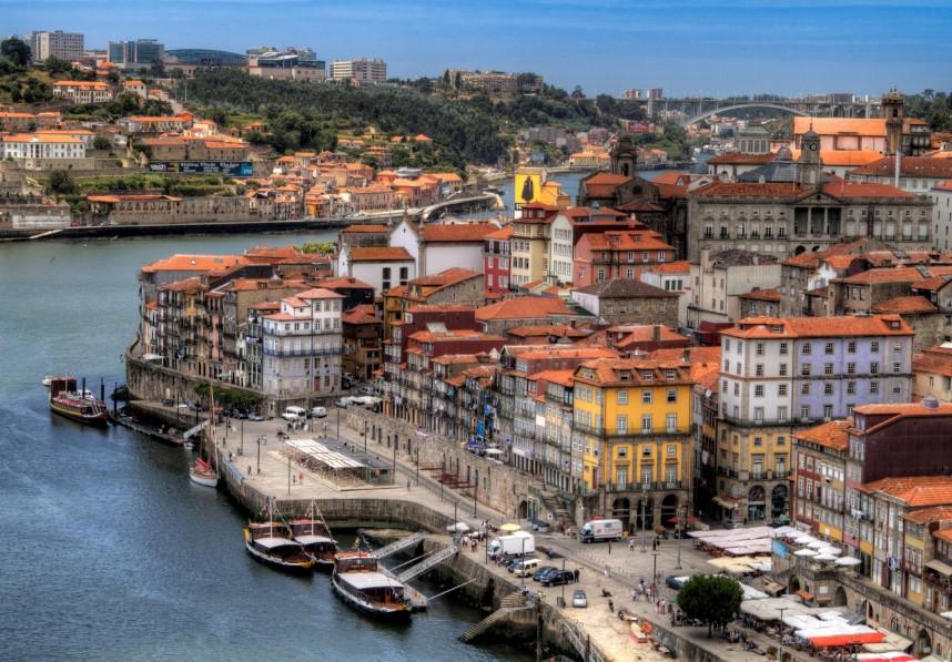 Где находится Португалия фото