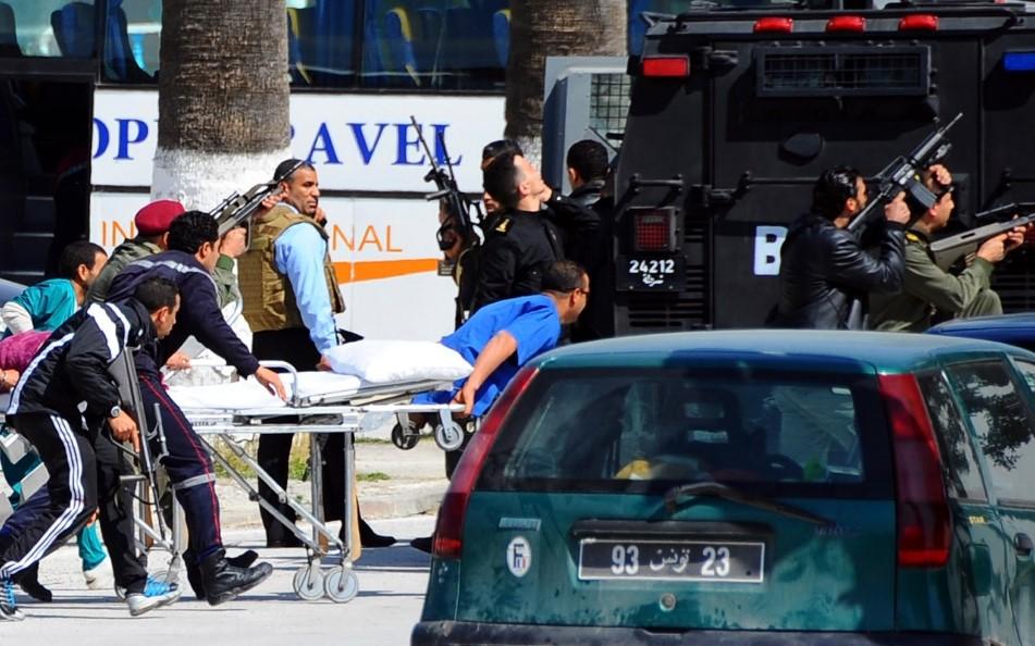 Теракт в Тунисе на пляже фото
