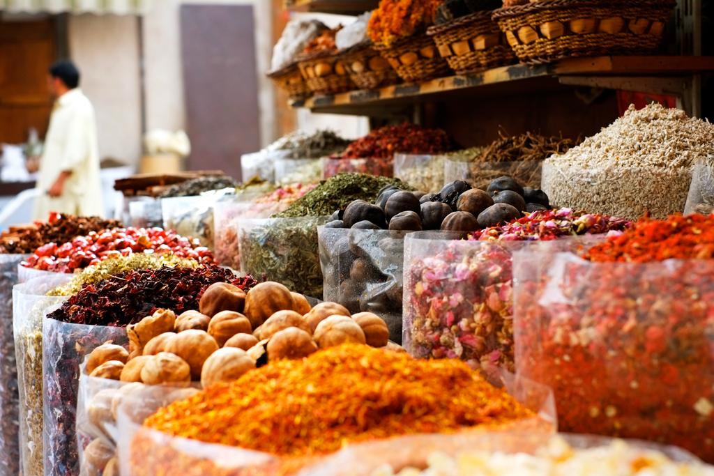 Что привезти из ОАЭ: дешевые и популярные сувениры фото