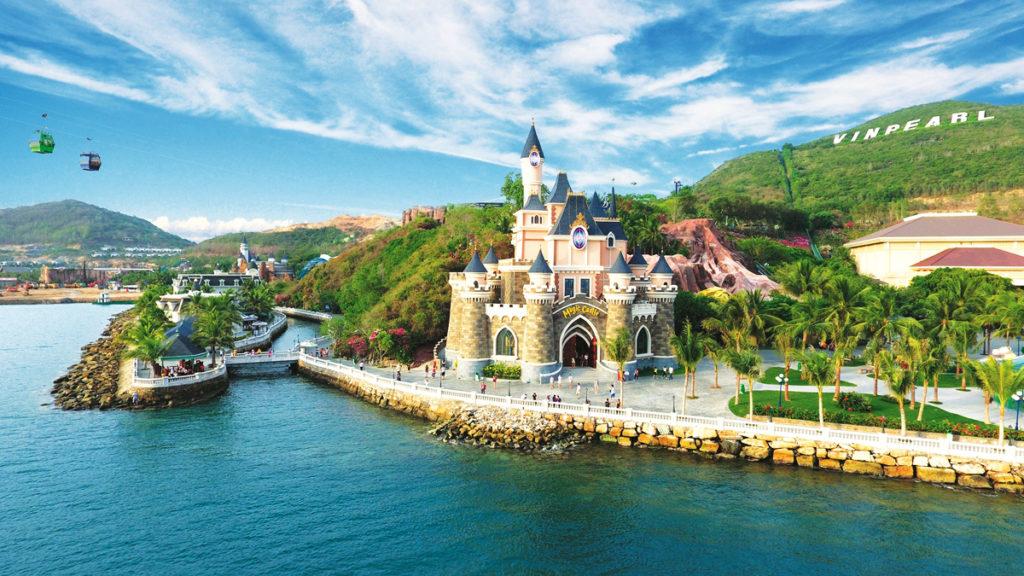 Парк развлечений Винперл на острове Нячанг фото